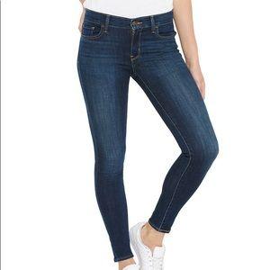 Levi's super skinny jeans dark wash w25 l30